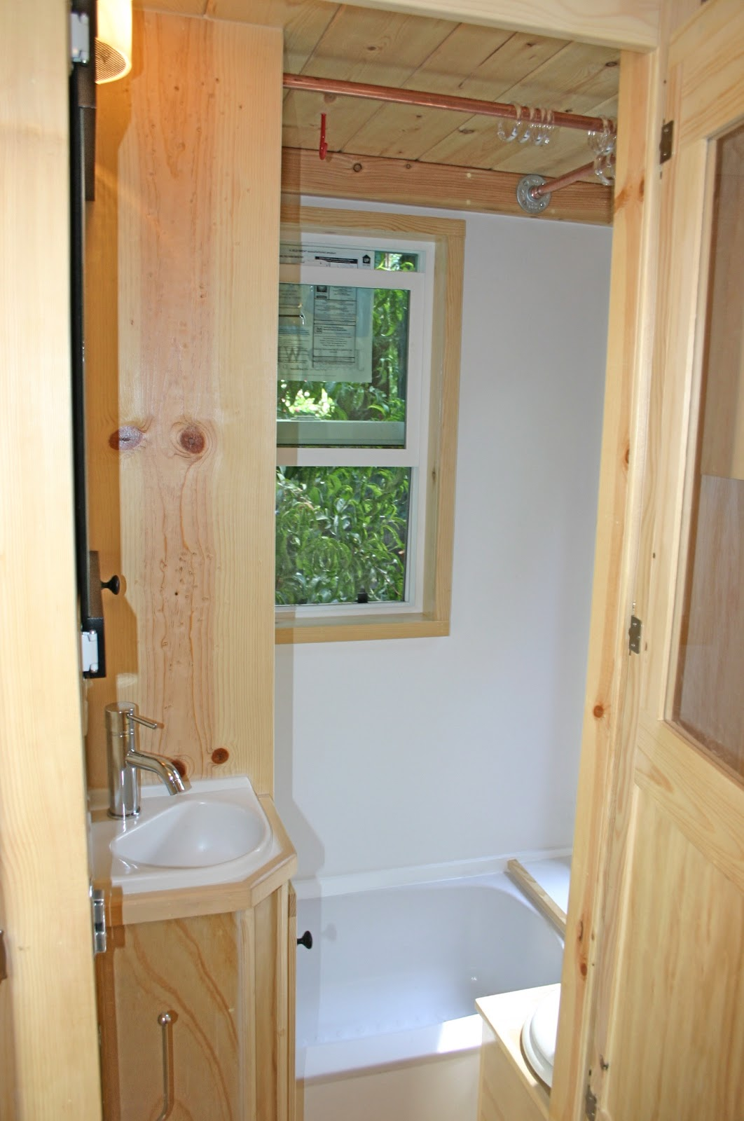 Rv Corner Sink : RV remodel Bathrooms on Pinterest Corner Sink, Small Bathrooms and ...