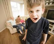 Las continuas exigencias de los niños se vuelven a menudo extremas y dan . (niã±os caprichosos)