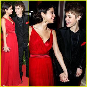 Justin Bieberselena Gomez on Justin Bieber Selena Gomez Holding Hands Jpg