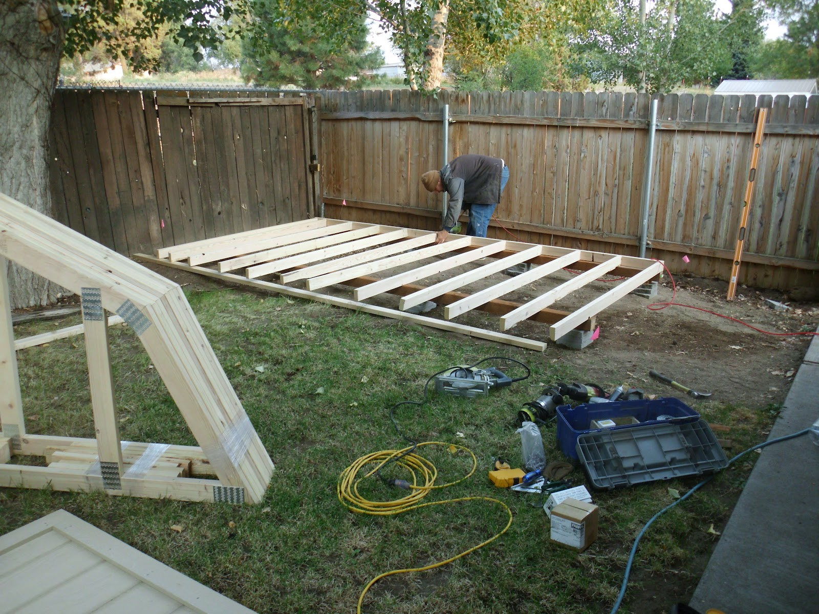 leveling and putting floor on skids everything is in the backyard