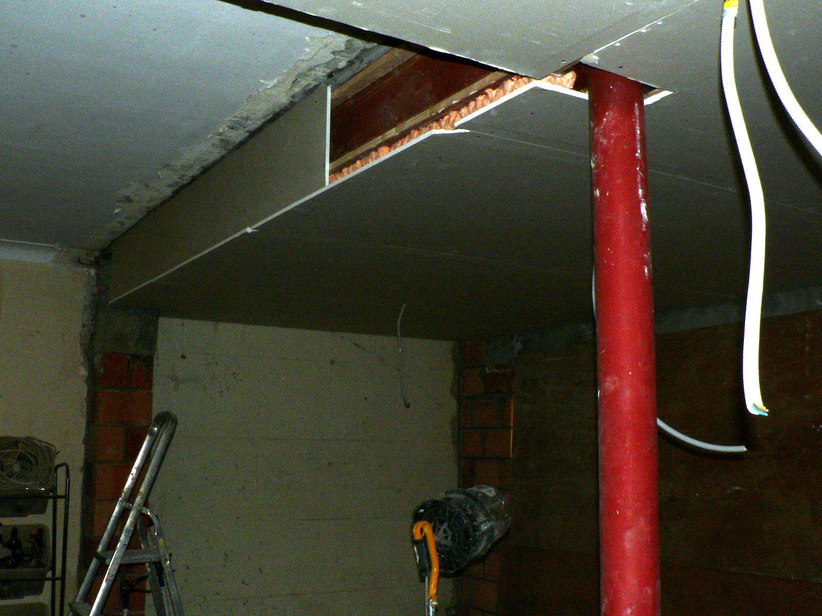 Ons huisje: vals plafond boven keuken