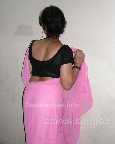: Hot Mallu Aunty Saree Photos. Sexy Mallu Aunty Saree Stills, Mallu ...