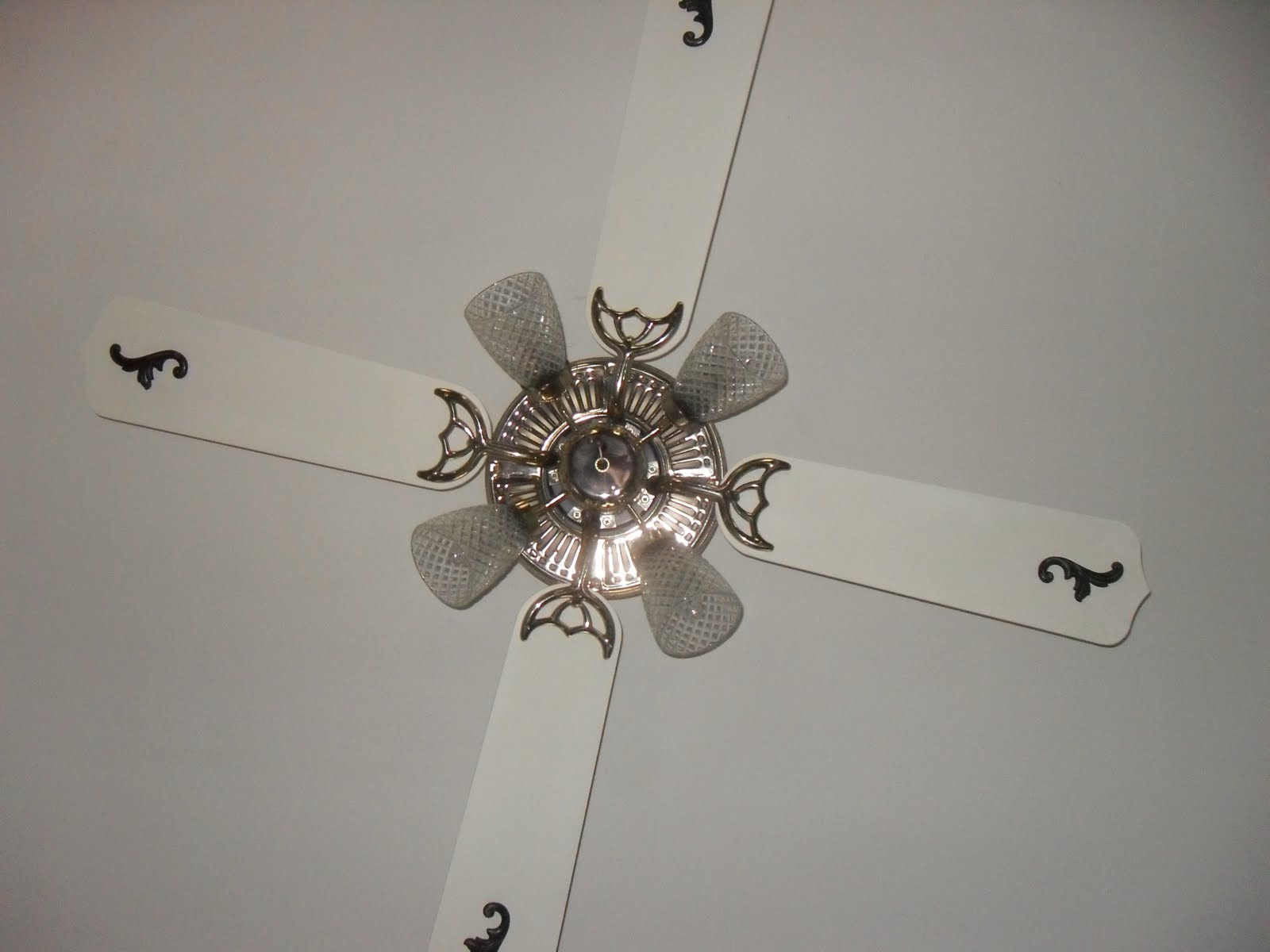 Wonderfully made ceiling fan update the other day i went to the store and bought two chandelier type bulbs to replace two that were burned out on the ceiling fan that hangs over my dining room aloadofball Choice Image