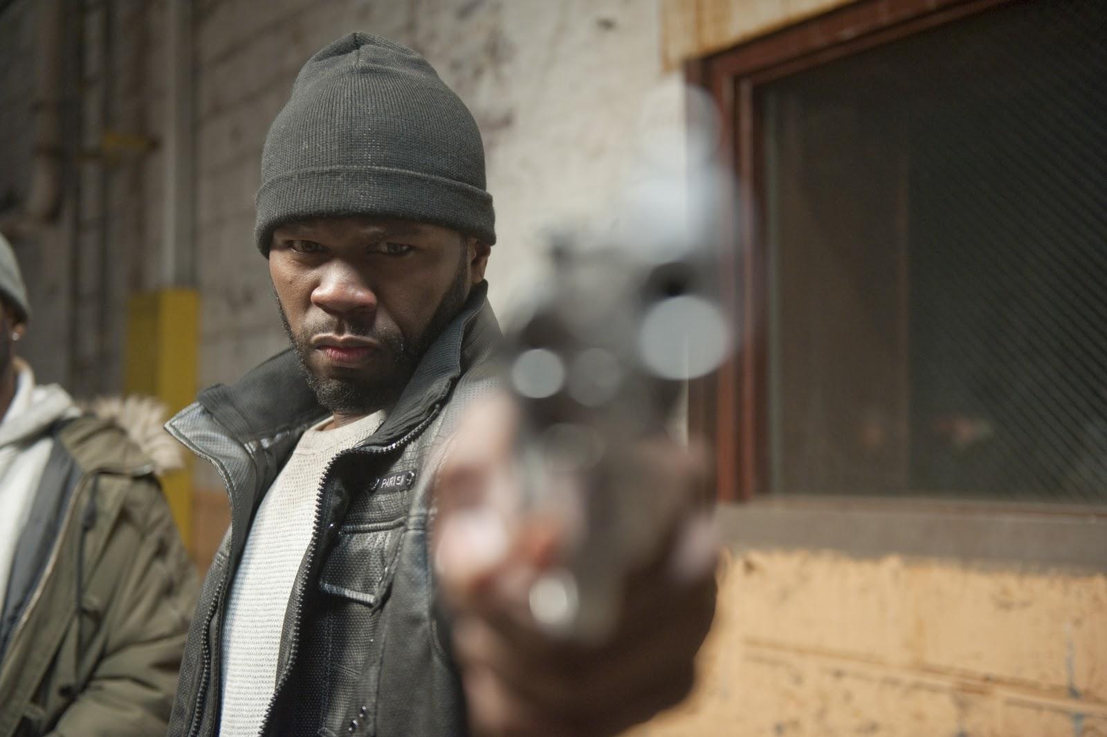 http://3.bp.blogspot.com/-XvhoHasi1EM/TvV_JMIRK8I/AAAAAAAAA2s/o9oWKSkvV2o/s1600/50+cent+pictures+with+guns5.jpg