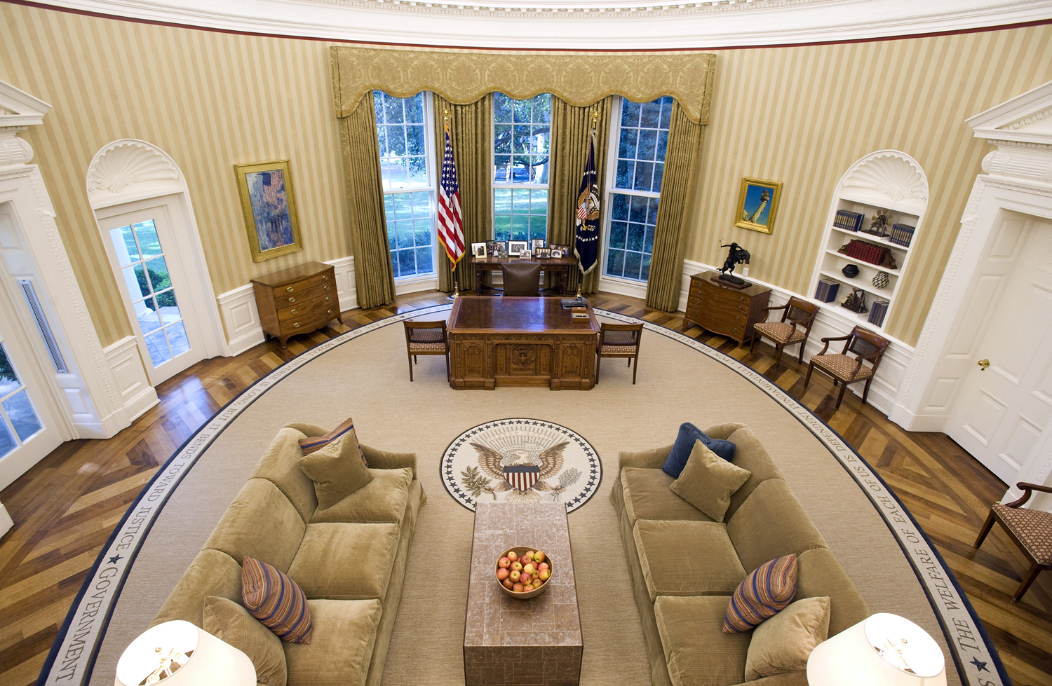 Drapes vs curtains - Inside The White House Oval Office Images Amp Pictures Becuo
