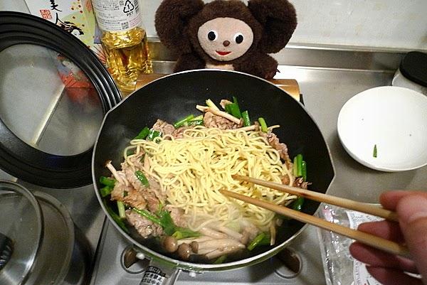 しょうゆ味の焼きそばの作り方(2)