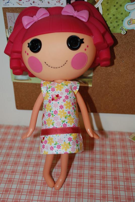 Free Pattern: Lalaloopsy Dress title=