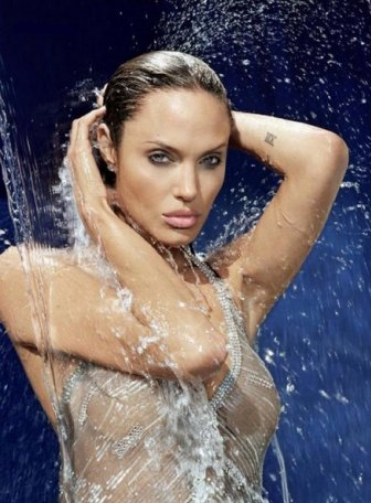 Angelina Jolie hot pictures