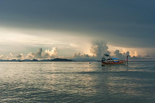 Tajlandia - Zachód słońca na bezludnej wyspie