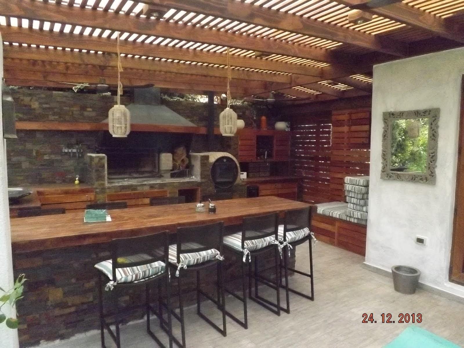 Pergolas y quinchos for Fabricacion de bares de madera
