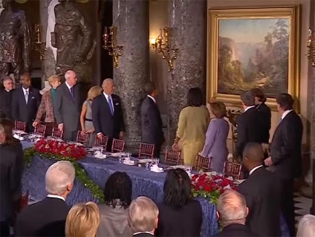 ¿Las tomas de posesión de presidentes estadounidenses encubren rituales satánicos? (2)