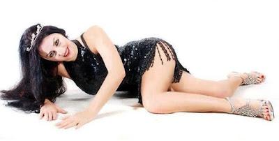 صور صافيناز ببدله رقص تظهر الملابس التحتيه