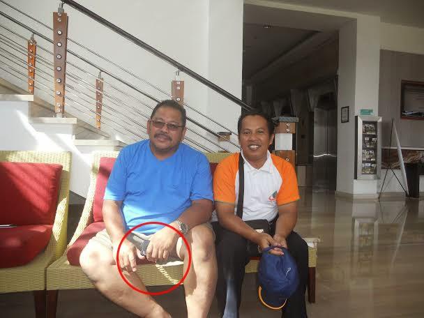 Foto saya dengan Pak Haji Daeng Ali Effendi di Mercure beberapa waktu yang lalu