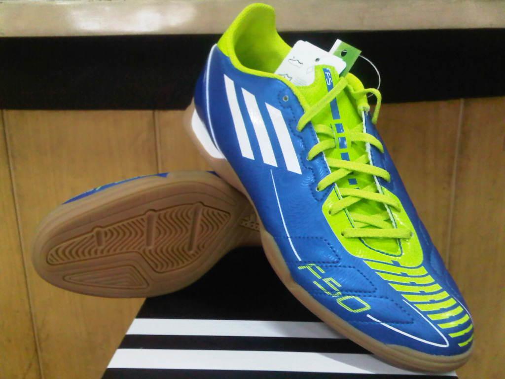 Daftar Harga Sepatu Futsal Adidas April 2014 7f77904716