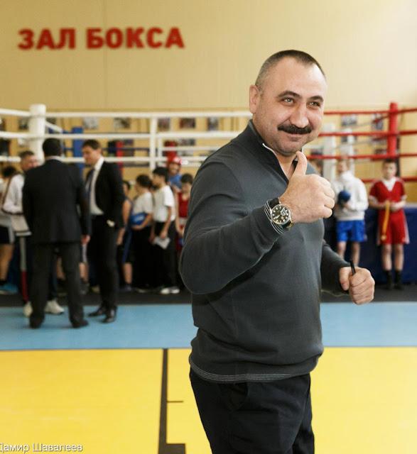 Главный тренер сборной России по боксу Александр Лебзяк посетил Сергиев Посад.
