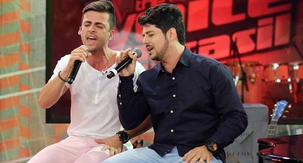Roncador comemora aniversário com show da dupla Vitor e Vanuti