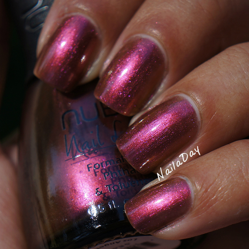 NailaDay: Nubar Iris Dust