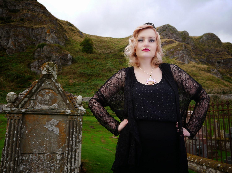 spiritual medium, psychic, the coven, witch, fashion, peach hair, turban, 1920s, flapper, landcape, scottish bloggers, St Cyrus, graveyard, Aberdeenshire