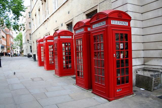 Peluang melancong secara percuma ke negara eropah, london dan paris dengan bisnes premium beautiful corset with red phone booth