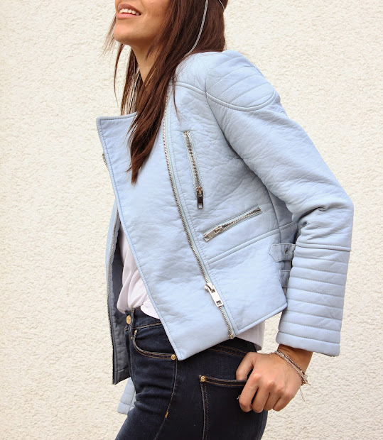 If you just need a lightweight jacket, try our denim jacket options as well as our blazers and cropped jackets. But if you do need something more heavy-duty, for a ski trip or Alaskan getaway perhaps, then opt for our bombers, trench coats, puffers, and pea coats.