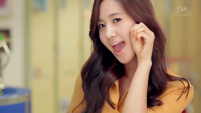 SNSD Yuri Dancing Queen Wallpaper