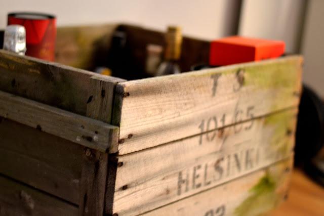 Vanha puulaatikko