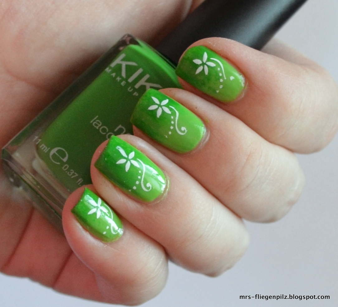 Elblack Nageldesign Green Gradient Nails Stamping