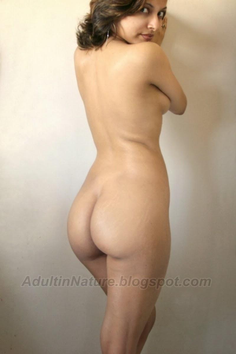 Hot Indian Secretary Stripping for Boss | DESI SEX GALLERIES