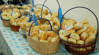 pãozinho quente de manhã