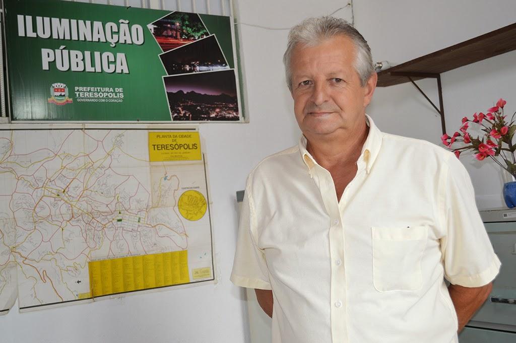Carlos Roberto Barcellos, diretor do Departamento de Iluminação Pública da Secretaria M. de Serviços Públicos, ressalta que a previsão é de que dentro de 30 a 40 dias todas as ruas estejam atendidas na questão da iluminação pública