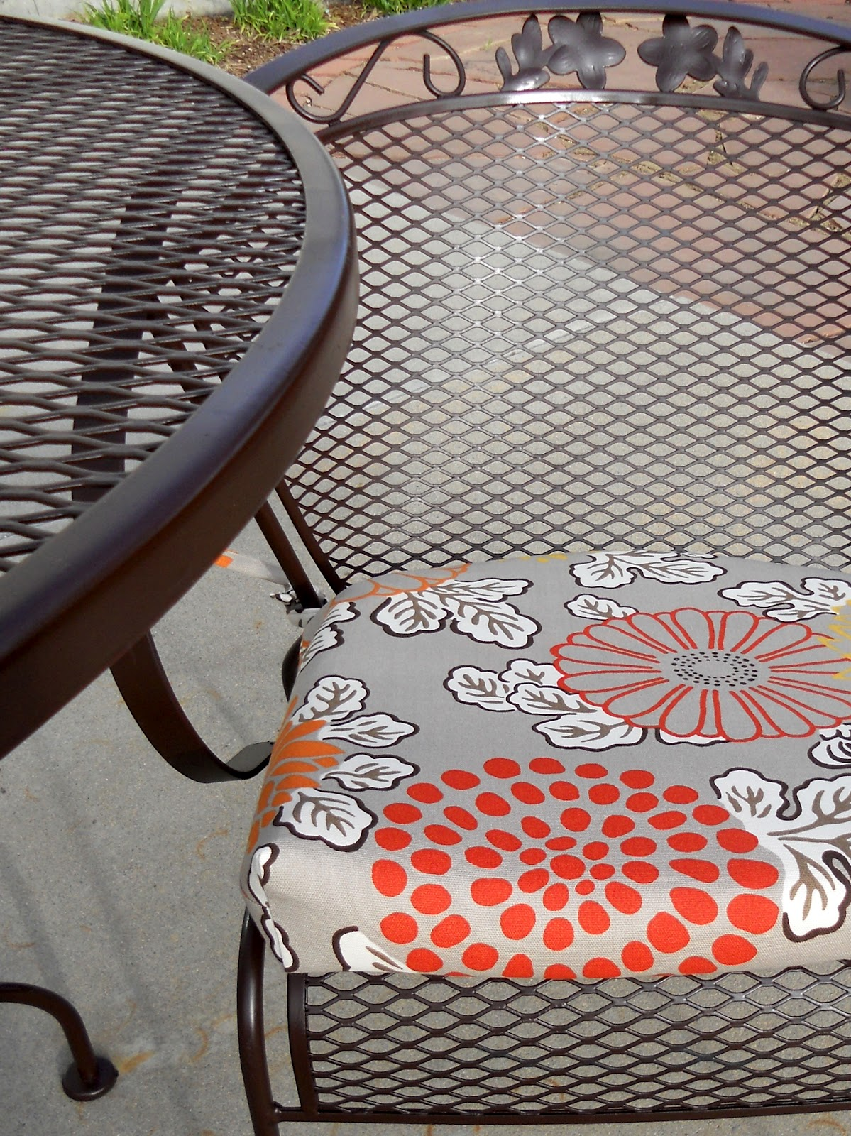rot iron furniture. Just Another Hang Up: Refurbishing Wrought Iron Furniture. Rot Furniture H