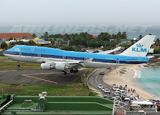 bandara unik Princess Juliana International Airport