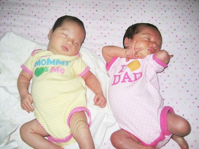twin baby photos
