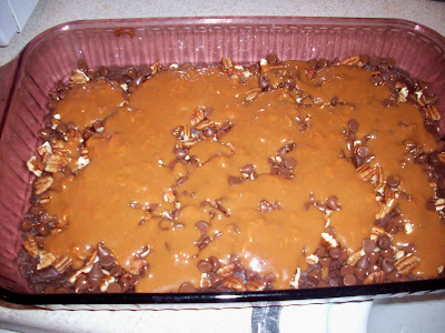 caramel+in+pan Caramel Turtle Brownies