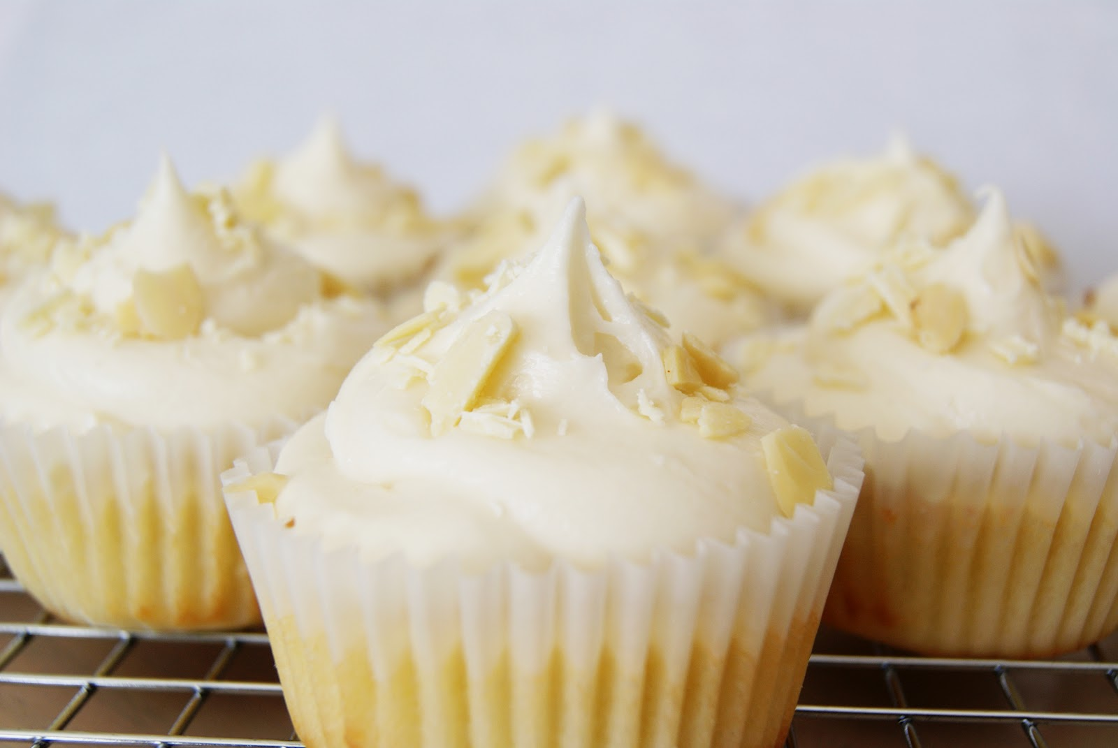 Every Flavour Sweets: White Chocolate Cupcakes