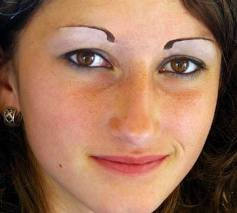 how to fix comma eyebrows