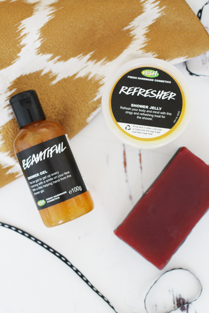 UK Beauty blogger, Liverpool Beauty Blogger, LUSH Shiny Happy People Gift Set, Lush blogger review,