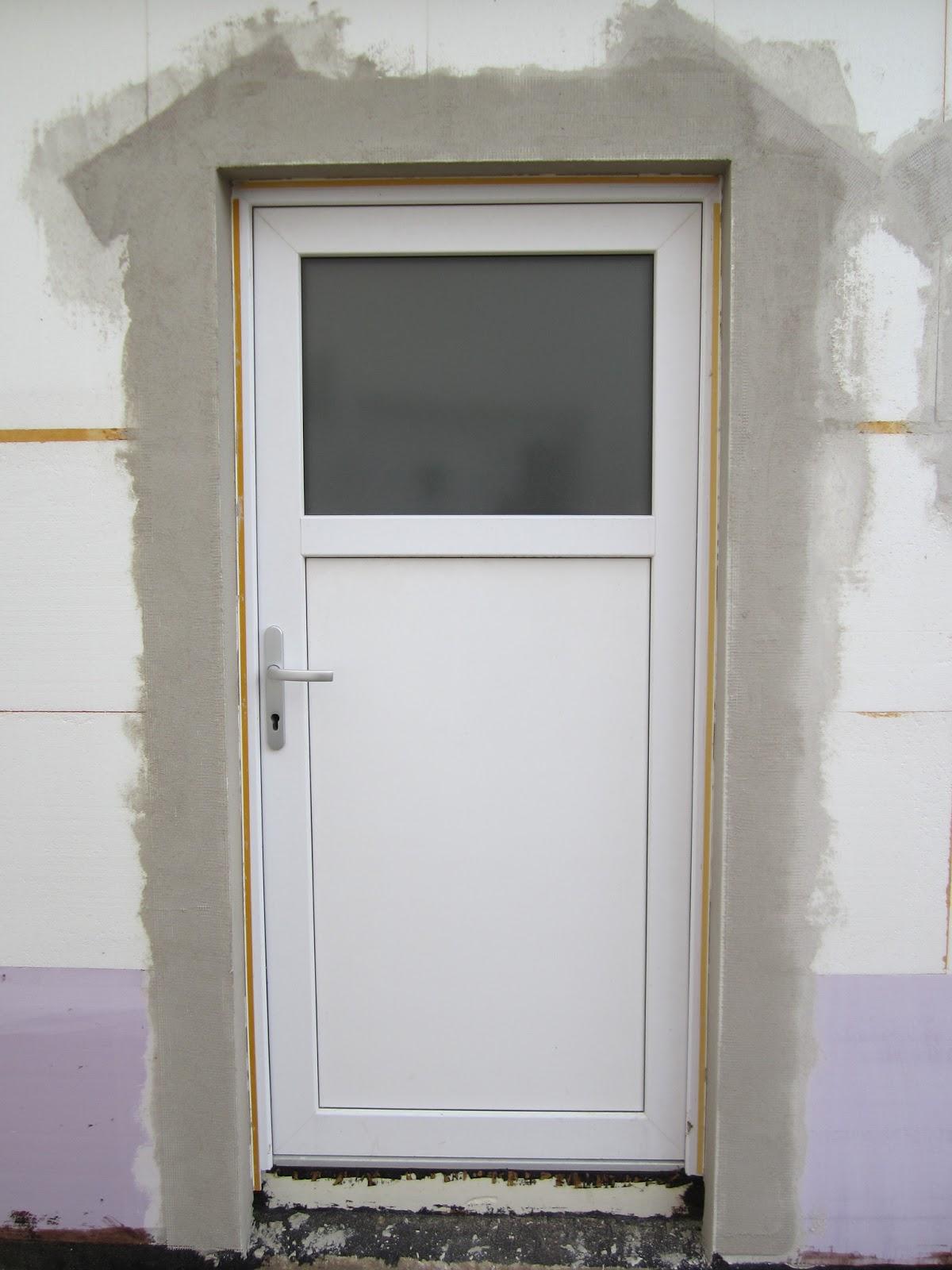 unser hausbau garage in eigenleistung armierungsputz um fenster und t r. Black Bedroom Furniture Sets. Home Design Ideas