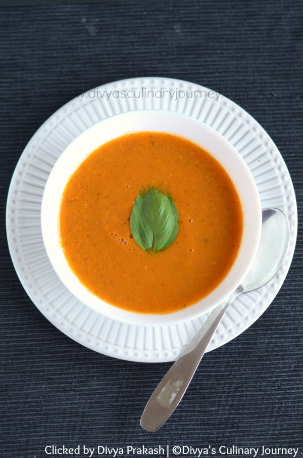 Easy Tomato soup with fresh tomatoes, basil