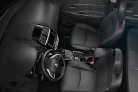 2015 NEw Mitsubishi Sport Outlander adventure seat interior view
