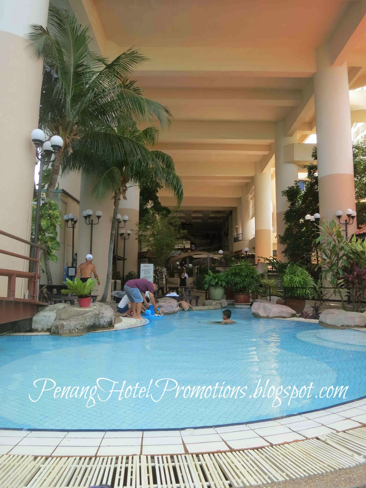 Penang hotel promotions rainbow paradise beach resort for Children s garden pools