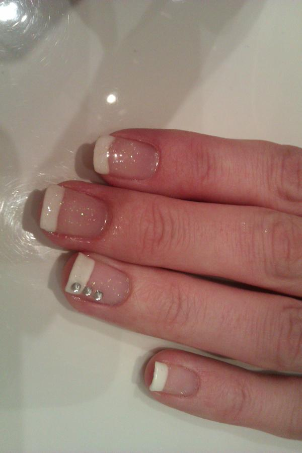 Gel Nail Art: One tip at a time!