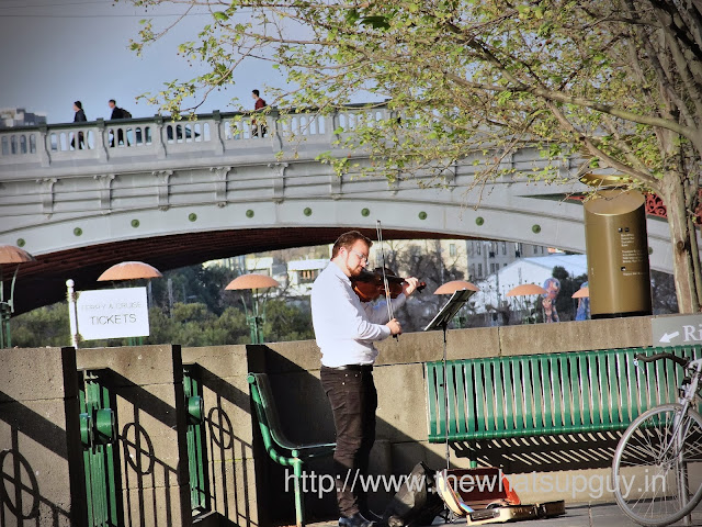 Violinist in Southbank