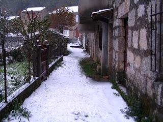 stritta du quartier de l'église à Aullène en Alta Rocca