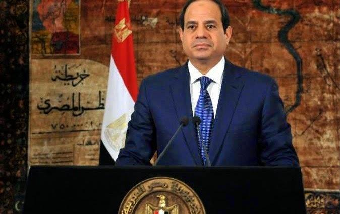 عبد الفتاح السيسى، رئيس الجمهورية، يشارك أسر شهداء وضحايا القوات المسلحة إفطارا جماعيا الاثنين