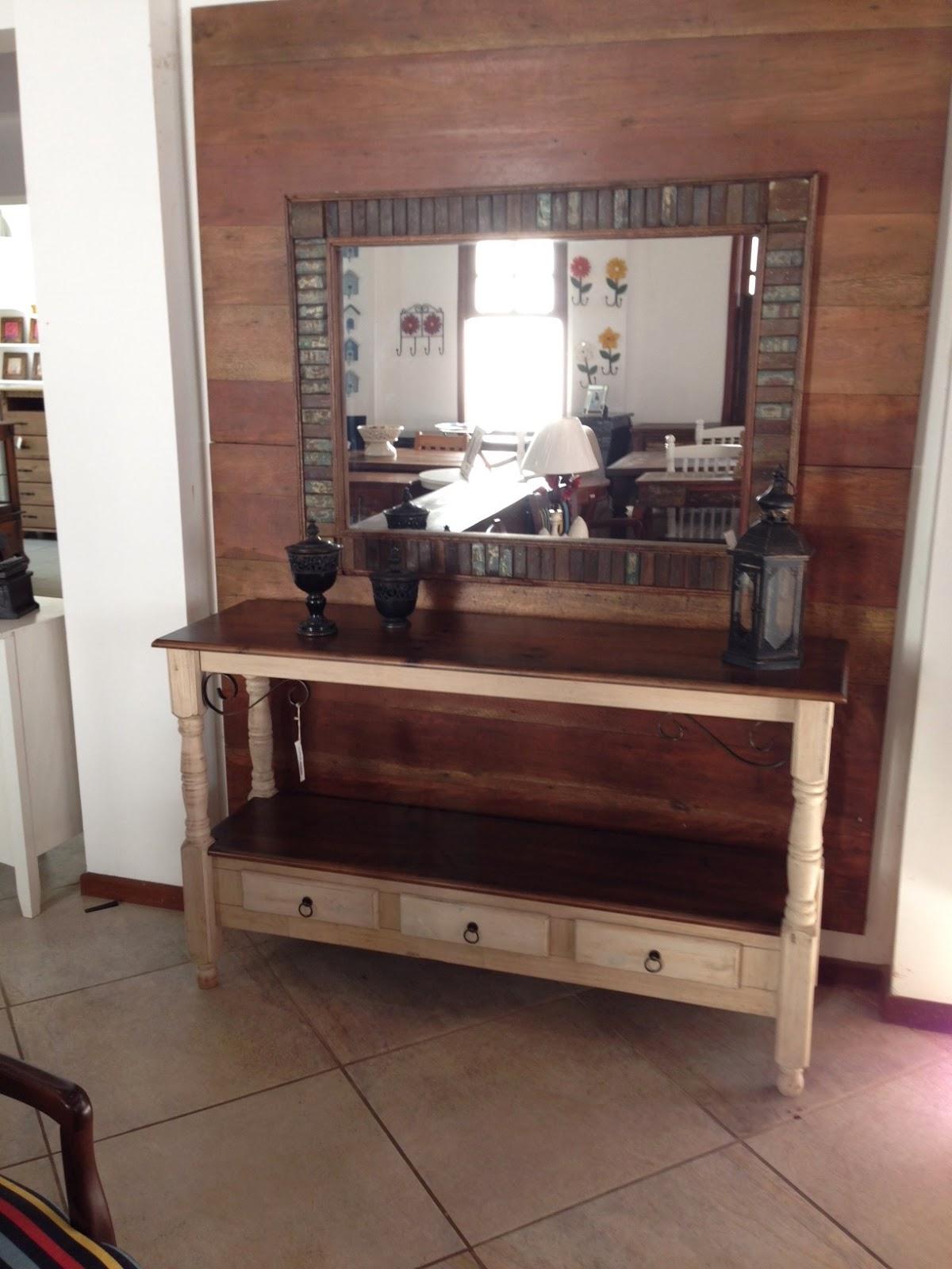 Casa Mix: Aparador de madeira envelhecido com detalhe em ferro #9A313E 1200x1600