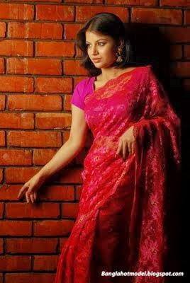 Bangladeshi+Model+and+Actress+Farhana+Nisho005
