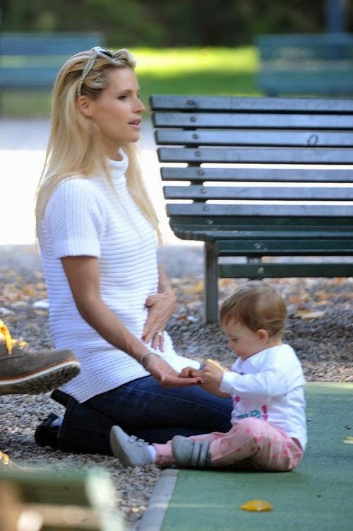Michelle Hunziker wid here baby