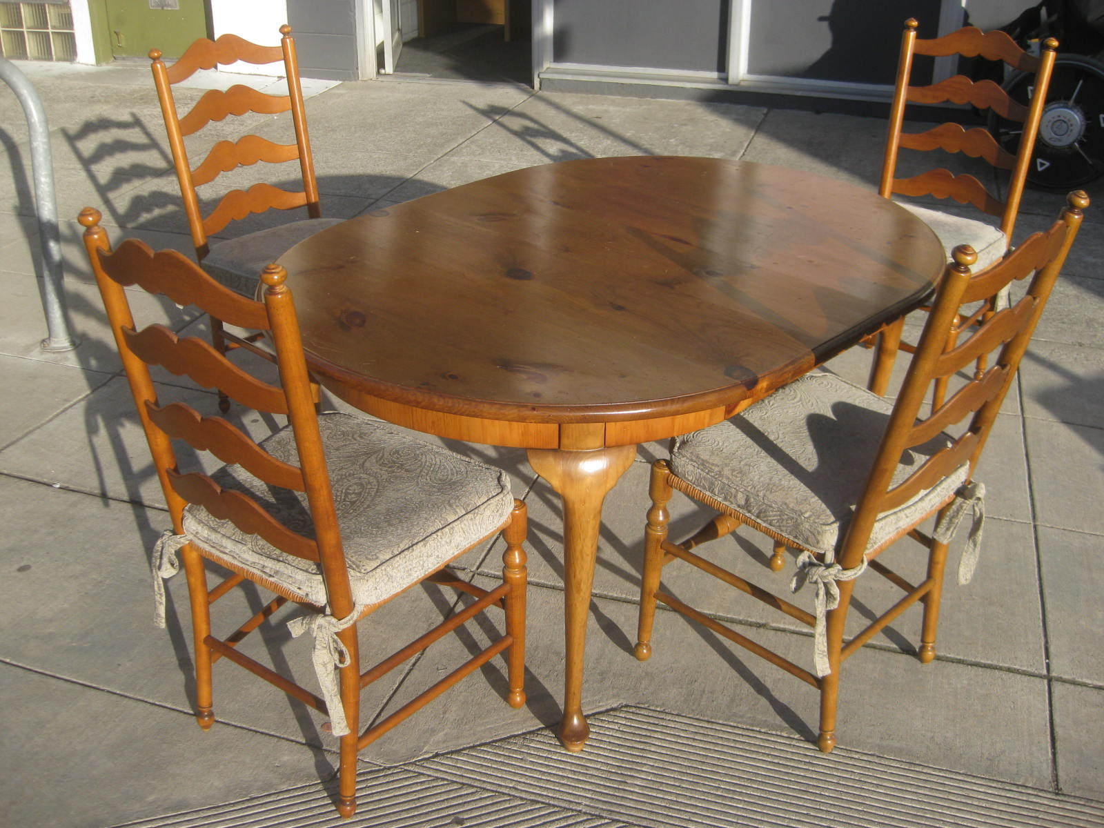 Uhuru Furniture Collectibles Sold Pine Dining Table And 4