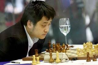 Le Grand maître d'échecs chinois Wang Yue